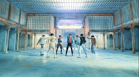 BTS FAKE LOVE